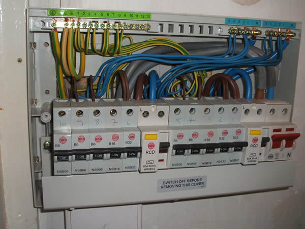 Wiring A Consumer Unit 17th Edition - Circuit Wiring And Diagram Hub •